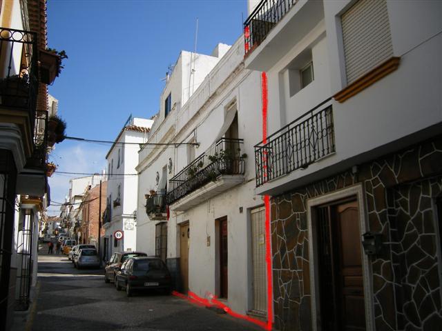 Vivienda en casco antiguo de Estepona de 190 m2 de solar, actualmente distribuida en  2 viviendas de,Spain