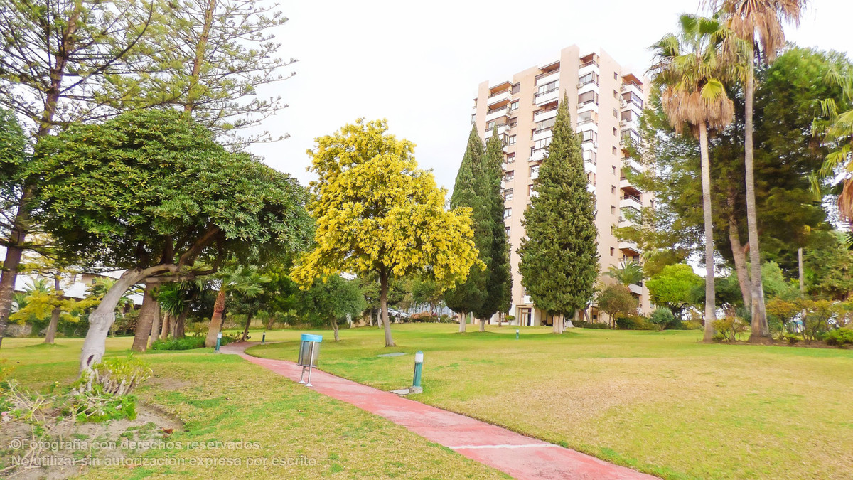 Middle Floor Apartment, Aloha, Costa del Sol. 2 Bedrooms, 2 Bathrooms, Built 80 m², Terrace 5 m².  S,Spain