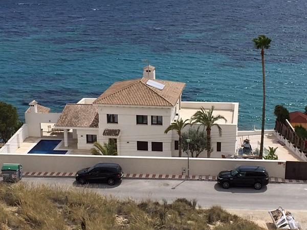 Spectacular, beachside mansion in El Campello. (Alicante)  This unique villa is located on the beach,Spain