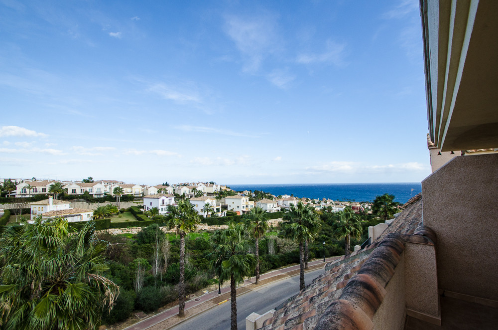 Townhouse, La Alcaidesa, Costa del Sol. 5 Bedrooms, 4 Bathrooms, Built 237 m², Terrace 34 m², Garden,Spain