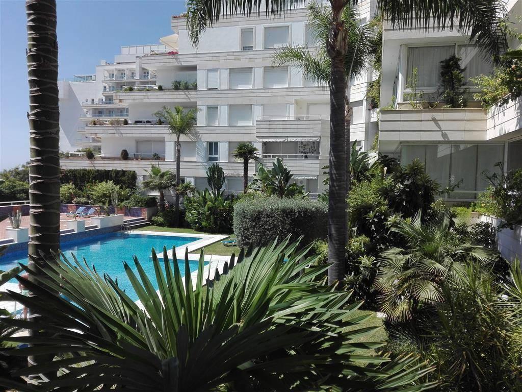 Middle Floor Apartment, Marbella, Costa del Sol. 1 Bedroom, 1 Bathroom, Built 56 m².  Setting : Town,Spain