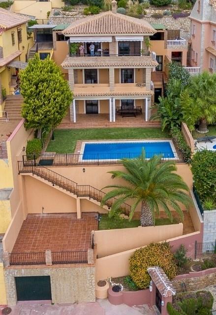 Detached Villa, Benalmadena, Costa del Sol. 4 Bedrooms, 4 Bathrooms, Built 280 m², Terrace 100 m², G,Spain