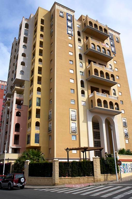 """Precio: 145.000 € Torrevieja, Apartamento en la cuarta planta, edificio """"Atalaya"""", superficie de 65 ,Spain"""