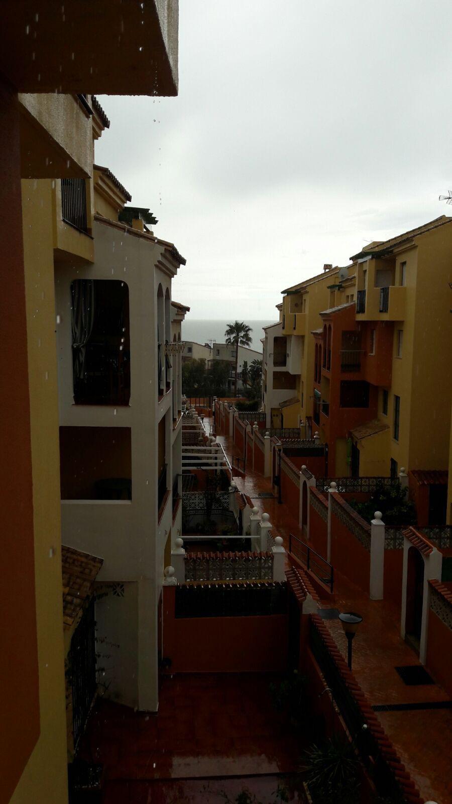 Apartamento con dos dormitorios y un bano en Manilva en Urbanizacion Jardines del mar con piscina co,Spain