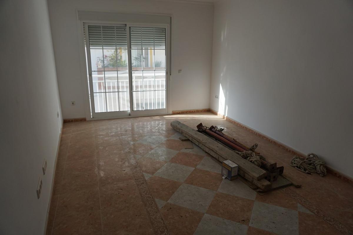 Middle Floor Apartment, Mijas Costa, Costa del Sol. 3 Bedrooms, 2 Bathrooms, Built 90 m², T,Spain