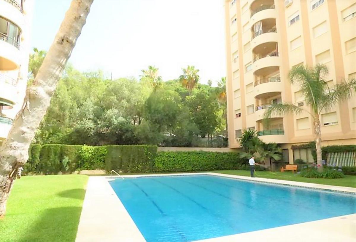 !! BEAUTIFUL 1 BEDROOM FLAT CENTRAL !! Spacious 1 bedroom apartment in Marbella center, bathroom ins,Spain