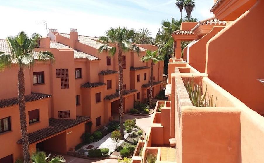 Ground Floor Apartment, Benahavis, Costa del Sol. 2 Bedrooms, 1 Bathroom, Built 80 m², Terrace 50 m²,Spain