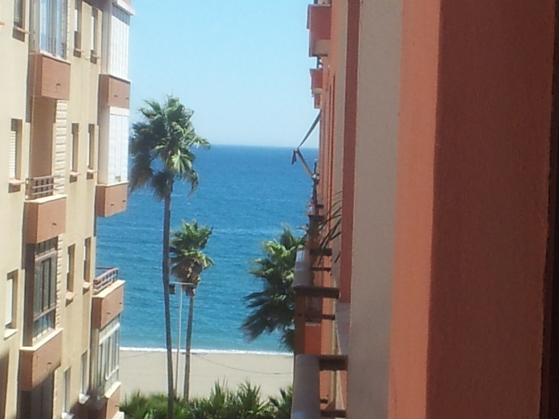 Middle Floor Apartment, Estepona, Costa del Sol. 3 Bedrooms, 2 Bathrooms, Built 80 m², Terrace 10 m²,Spain