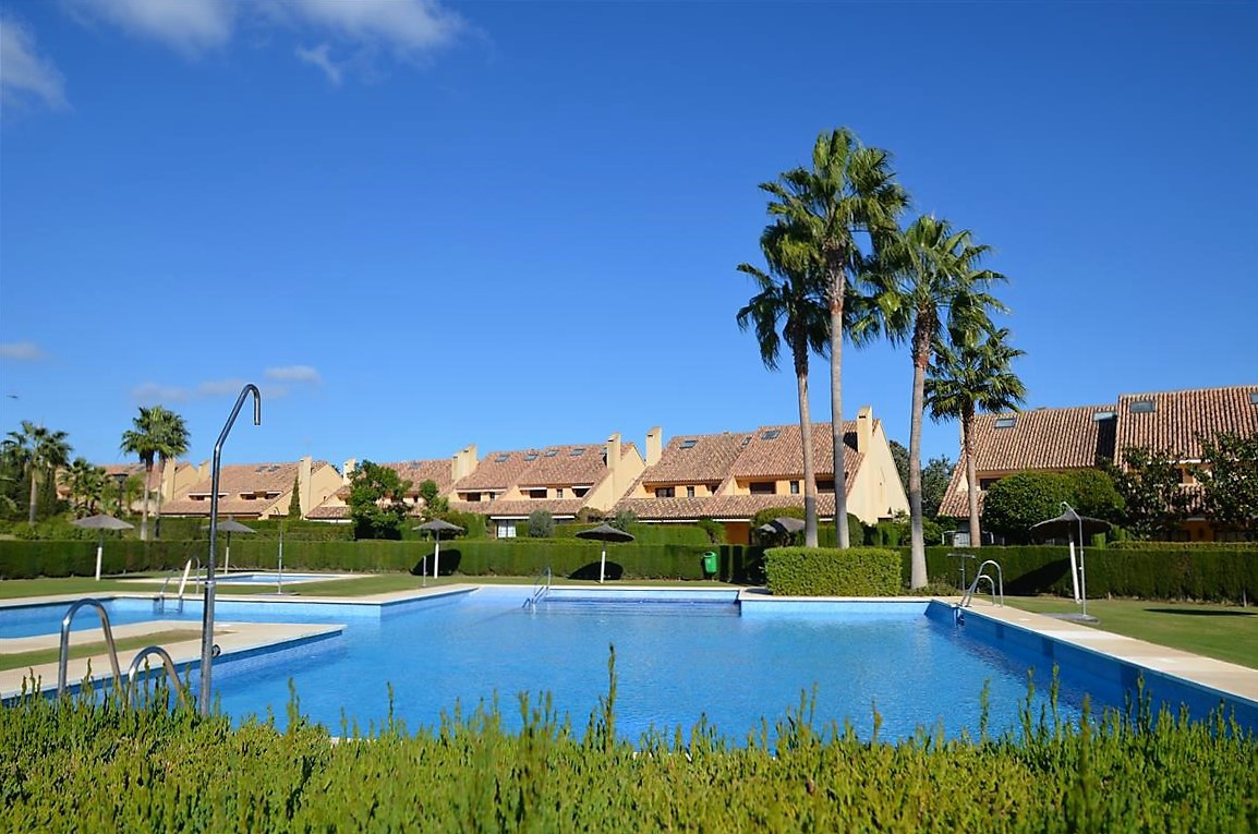 Magnifica vivienda  pareada situada en la prestigiosa urbanizacion de Sotogrande dentro de un pequen,Spain