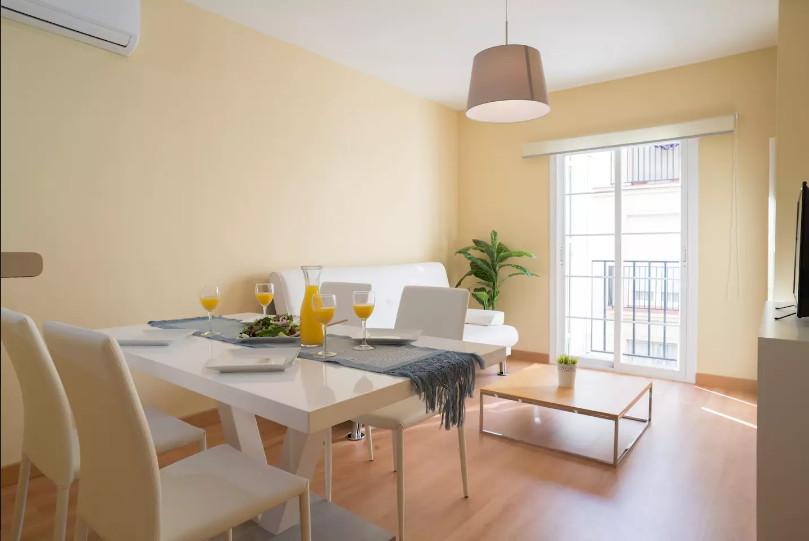 Middle Floor Apartment, Malaga Centro, Costa del Sol. 2 Bedrooms, 1 Bathroom, Built 75 m².  Setting ,Spain