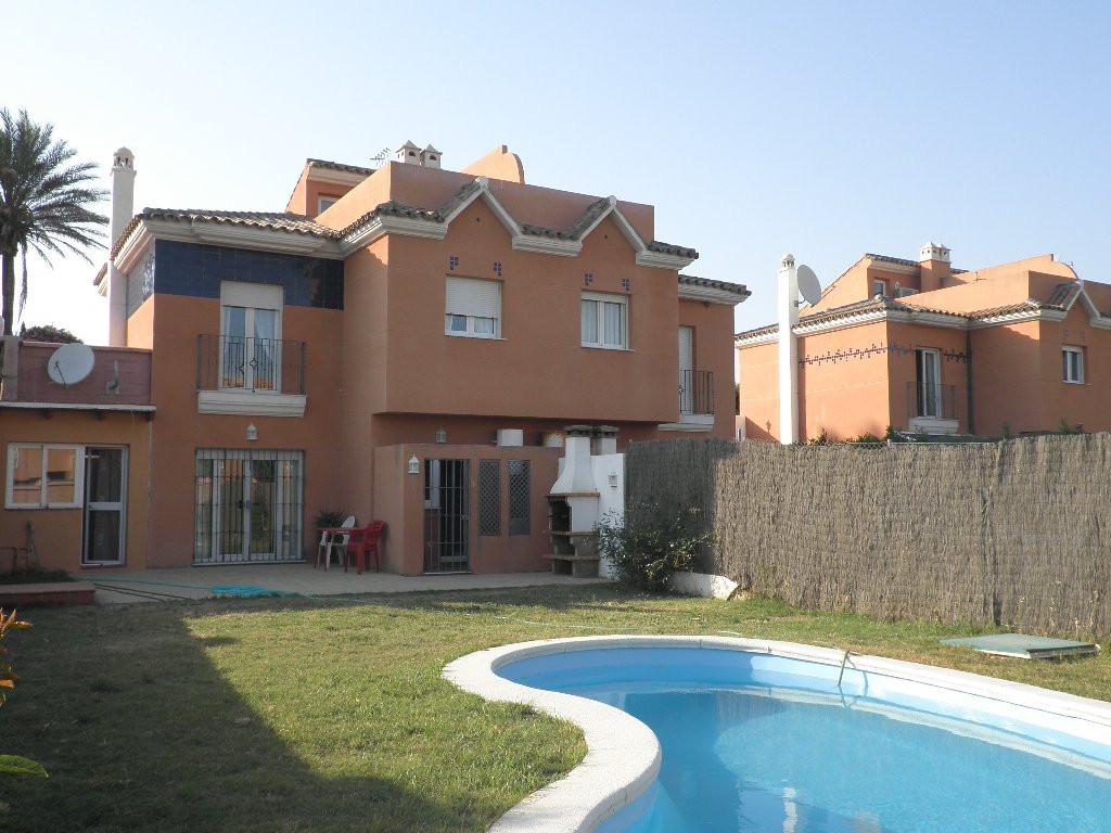 Townhouse - Semi Detached, Estepona, Costa del Sol. 4 Bedrooms, 2.5 Bathrooms, Built 130 m², Terrace,Spain