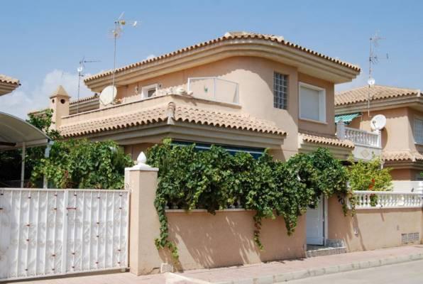 BEAUTIFUL 4 BEDROOM VILLA IN LOS ALTOS, ORIHUELA COSTA. This villa is on two floors; The first floor,Spain