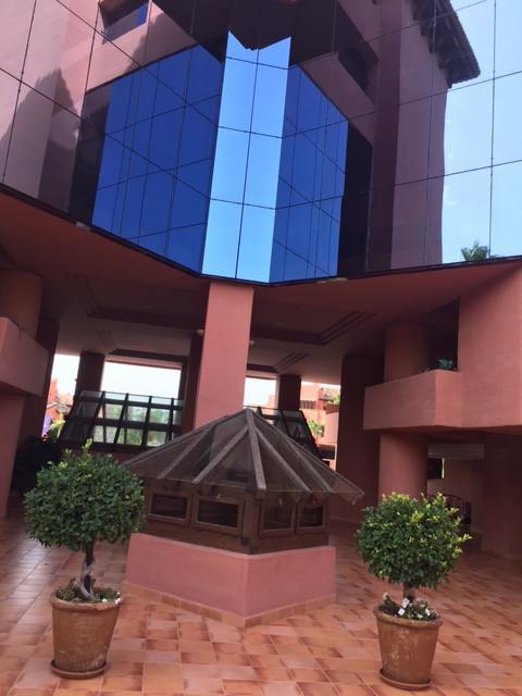 El apartamento ubicado en la urbanizacion cerca del mar en 300 Metros  con las piscinas, seguridad d,Spain