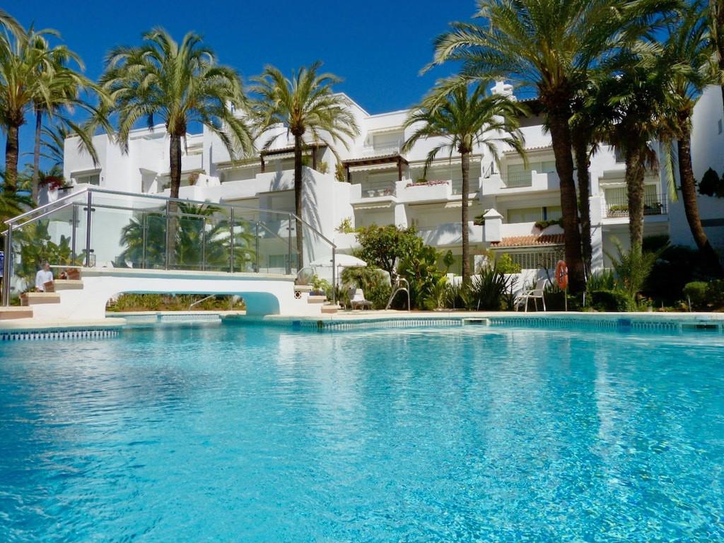 Designed by award-winning, internationally renowned architect Melvin Villarroel, this beautiful apar,Spain