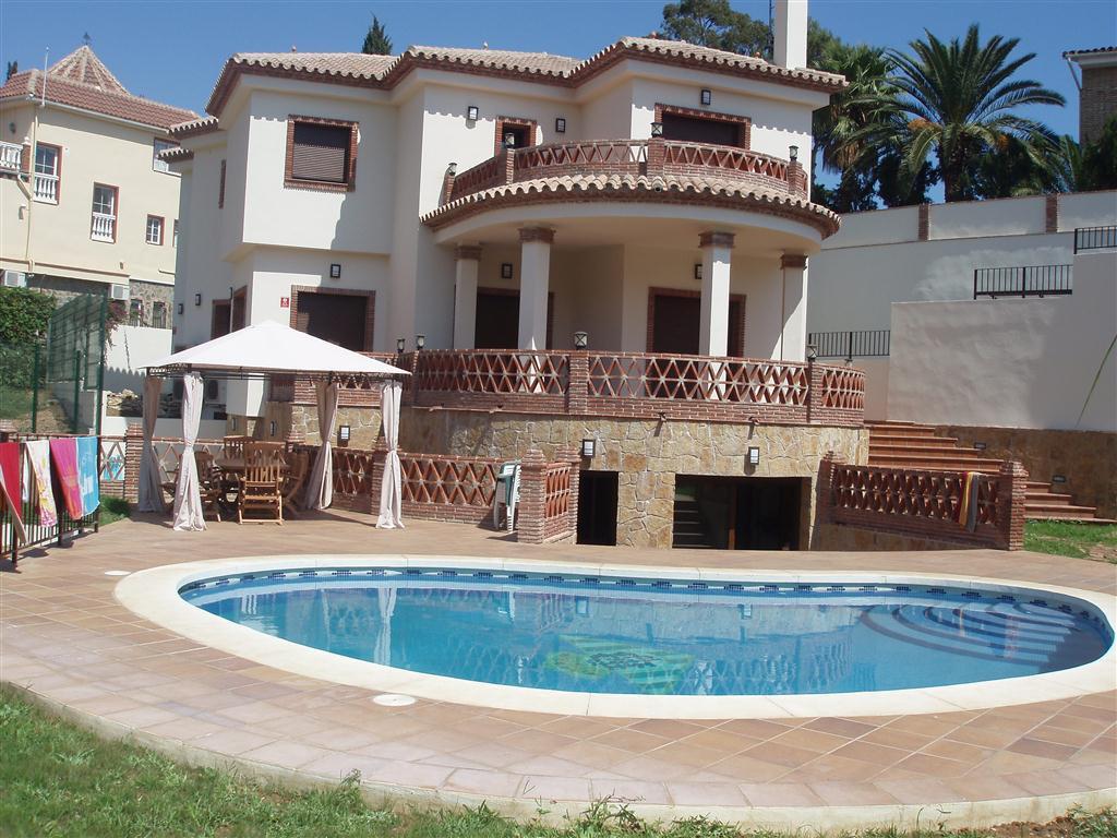 Magnifica villa independiente en Campo mijas, reciente construccioin, calidades de primera.  Consta ,Spain