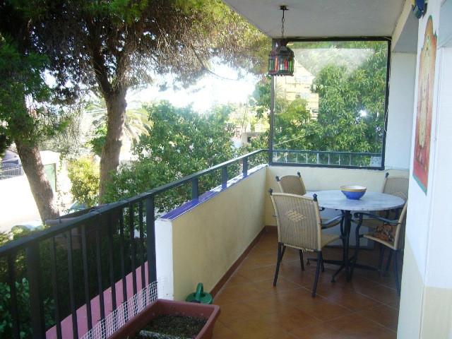 Apartamento de 2 dormitorios y 1 bano completo. Situado a un paso de Marbella  Centro. Terraza ampli,Spain