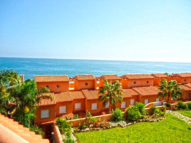 Penthouse, Estepona, Costa del Sol. 2 Bedrooms, 2 Bathrooms, Built 93 m�, Terrace 37 m�.  Setting : ,Spain