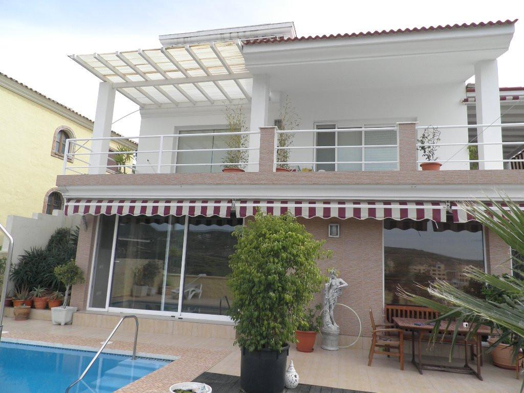Villa - Detached, Valle Romano, Costa del Sol. 3 Bedrooms, 4 Bathrooms, Built 380 sqm, Terrace 60 sq,Spain