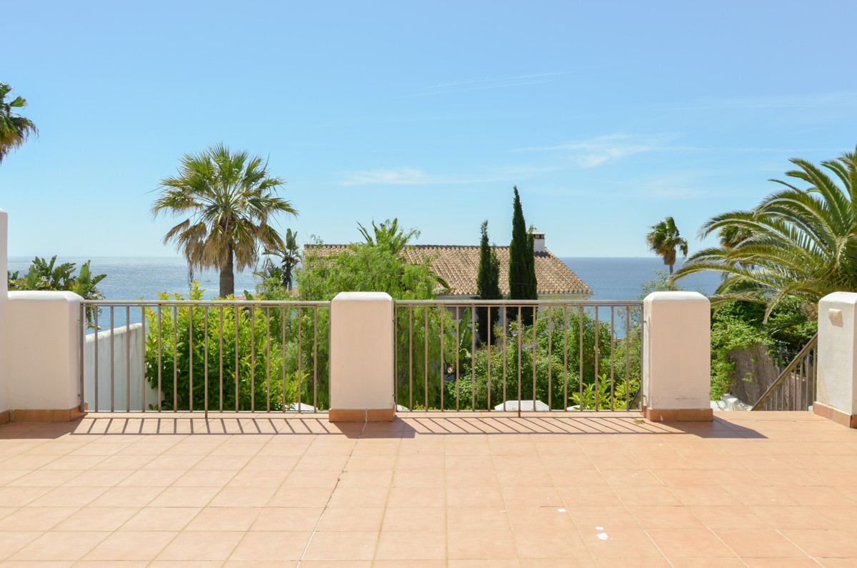 Detached Villa, , Costa del Sol. 3 Bedrooms, 2.5 Bathrooms, Built 165 m², Terrace 45 m², Garden/Plot,Spain