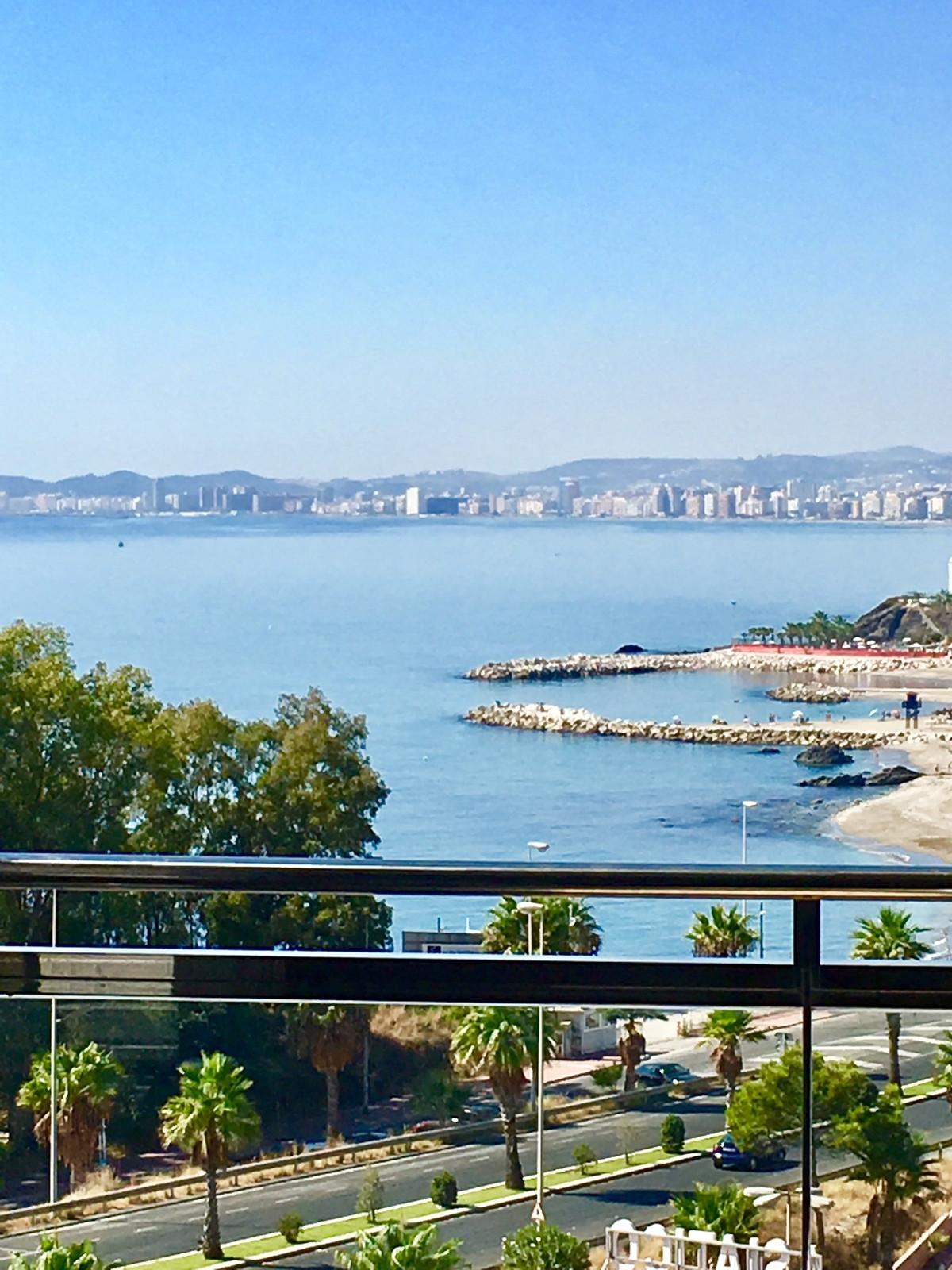 Middle Floor Apartment, Torrequebrada, Costa del Sol. 3 Bedrooms, 2 Bathrooms, Built 107 m2;. 3mn wa,Spain
