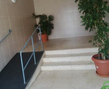 Piso EN iNCA  para entrar a vivir, de 3 habitaciones, cocina, bano, salon-comedor y terraza. Todas l,Spain