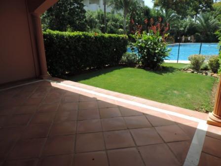 Townhouse, Estepona, Costa del Sol. 3 Bedrooms, 3 Bathrooms, Built 162 m², Terrace 30 m².  Setting :,Spain