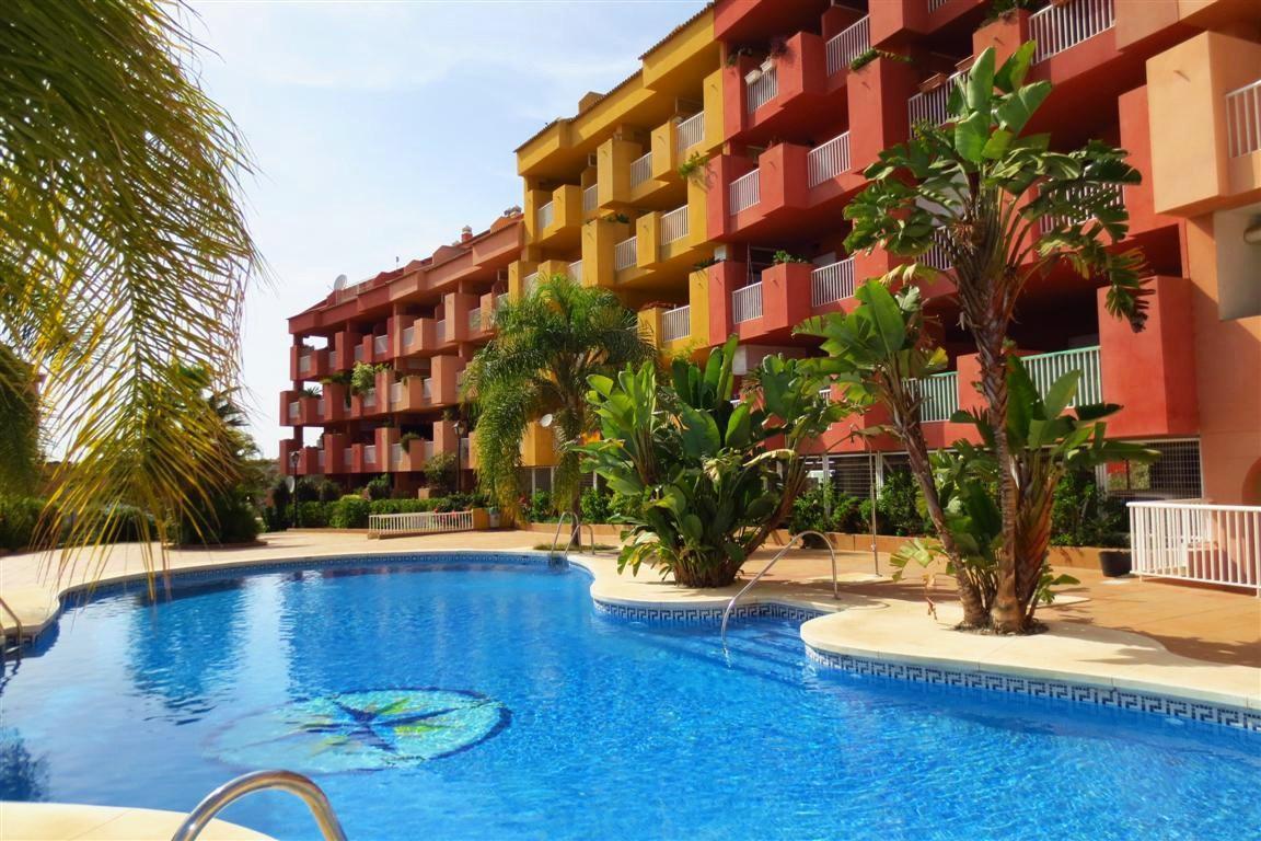 Penthouse, Los Pacos, Costa del Sol. 2 Bedrooms, 2 Bathrooms, Built 112 m², Terrace 11 m².  Setting ,Spain