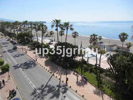 Precioso apartamento situado en plena avenida Espana con impresionantes vistas al mar. No deje pasar,Spain