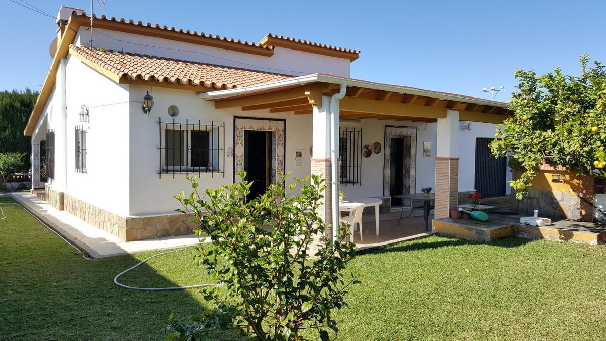 Detached Villa, Rincon de la Victoria, Costa del Sol East. 4 Bedrooms, 3 Bathrooms, Built 126 m², Te,Spain