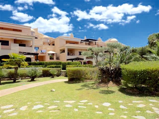 Ground Floor Apartment, Puerto Banus, Costa del Sol. 3 Bedrooms, 2 Bathrooms, Built 150 m², Terrace ,Spain