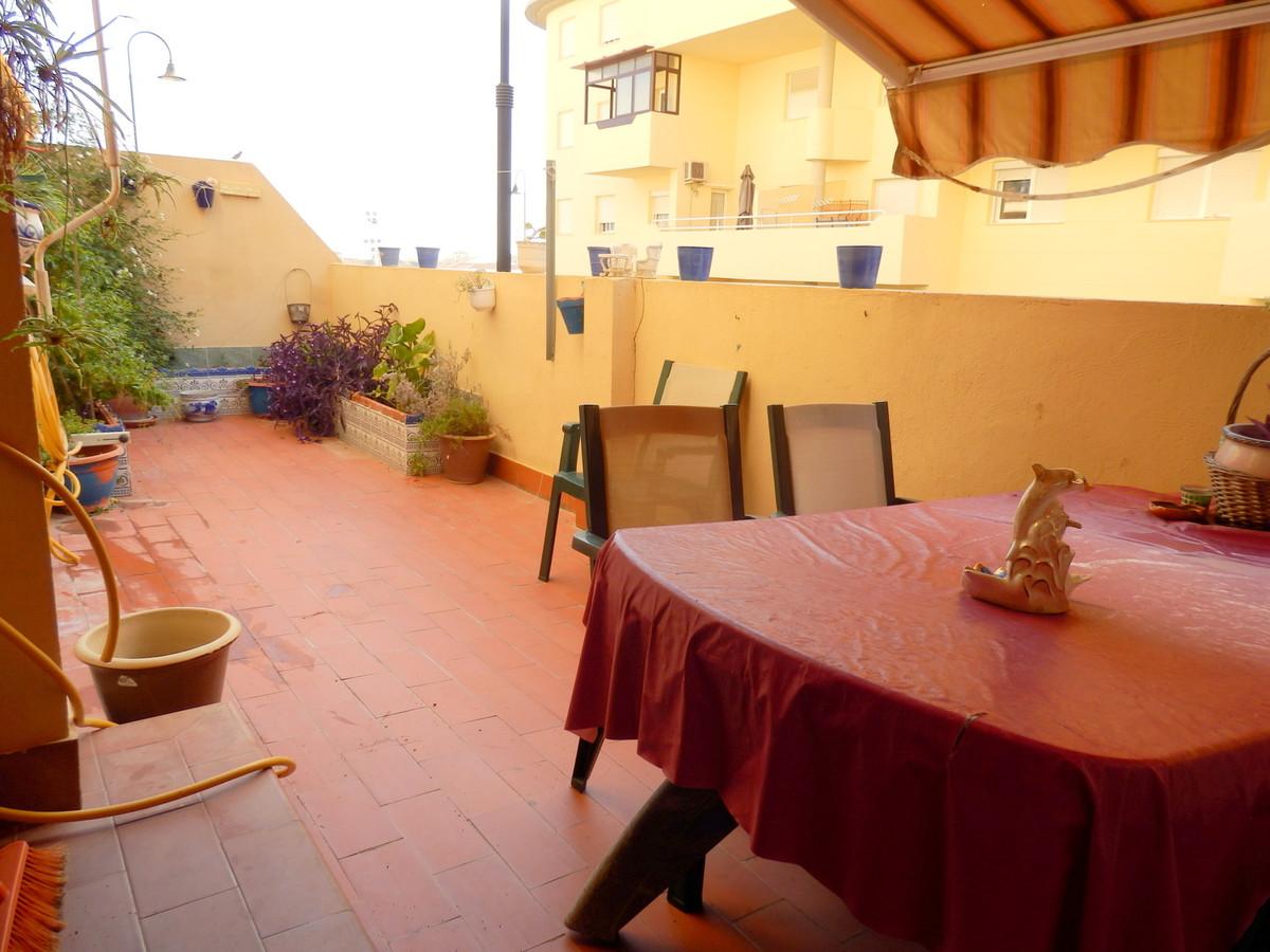 Ground floor in Las Lagunas, very spacious, has 3 bedrooms and 2 bathrooms, very large master bedroo,Spain