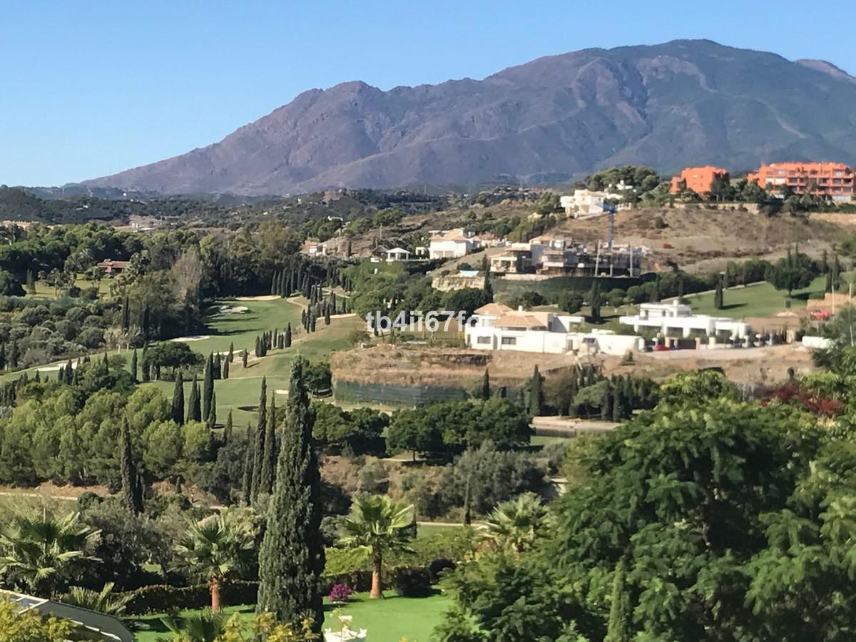 Fantastic plot of 2120 M2, located in the exclusive urbanization of Los Flamingos Golf Resort, Benah,Spain