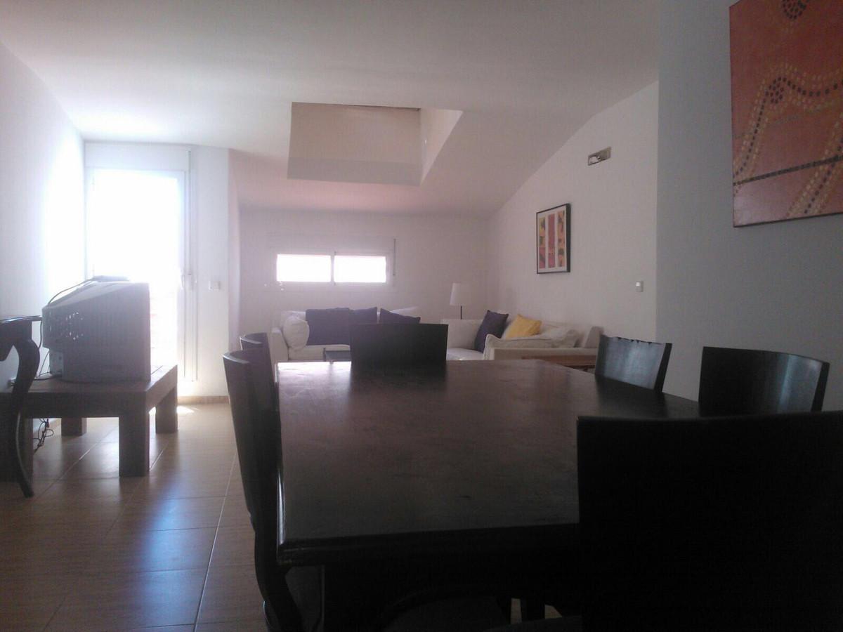 Penthouse, Ojen, Costa del Sol. 3 Bedrooms, 2 Bathrooms, Built 140 m².  Setting : Town, Commercial A,Spain