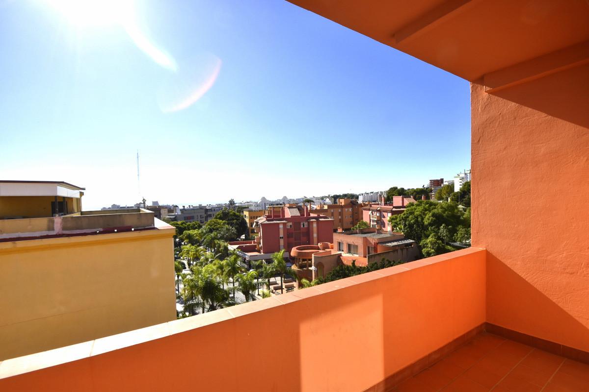 Hostel, Torremolinos, Costa del Sol. 13 Bedrooms, 13 Bathrooms, Built 300 m², Terrace 14 m².  Settin,Spain