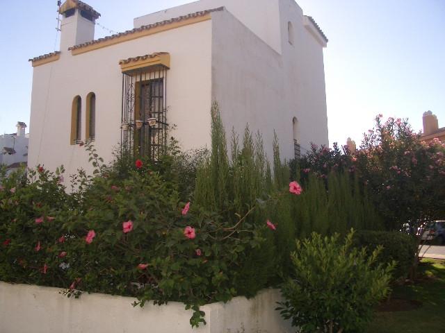 , Casares Playa, Costa del Sol. 4 Bedrooms, 3 Bathrooms, Built 170 m², Terrace 40 m².  Setting : BeaSpain