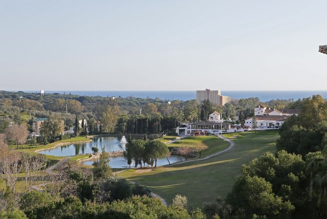 Lovely apartment with golf and sea views in Las Terrazas de Santa Maria Golf in Elviria, East Marbel,Spain