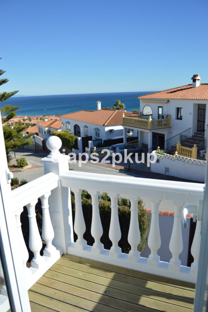 Townhouse, Estepona, Costa del Sol. 3 Bedrooms, 3 Bathrooms, Built 150 m², Terrace 100 m², Garden/Pl,Spain
