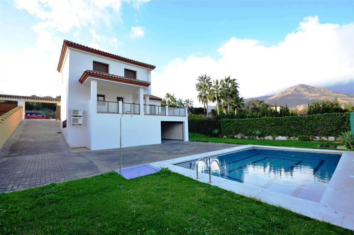 MAGNIFICIENT DETACHED VILLA!!!!, Attractive villa on two levels, located in a urbanization with a fa,Spain