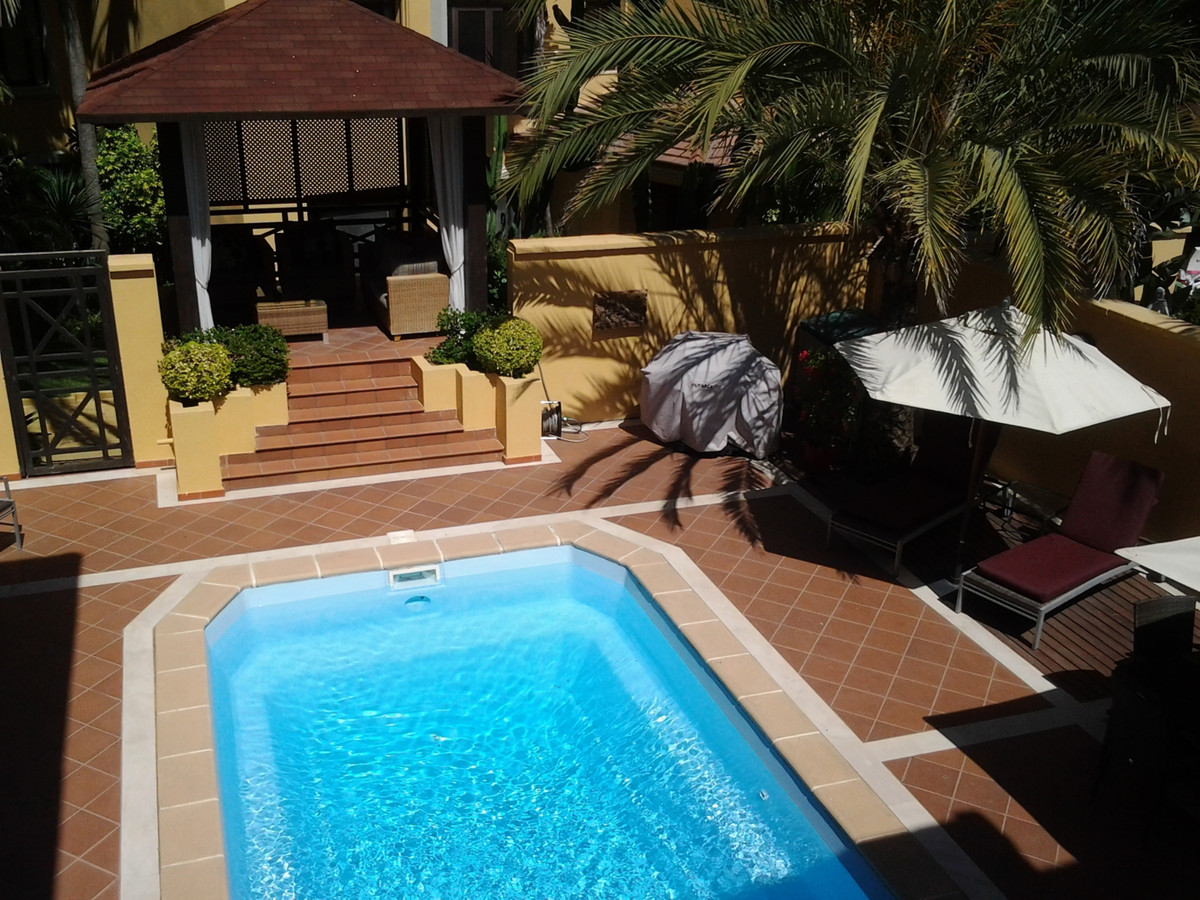 Bungalow for rent in Bahia de Banus, Marbella - Puerto Banus, with 4 bedrooms, 3 bathrooms, 3 en sui,Spain