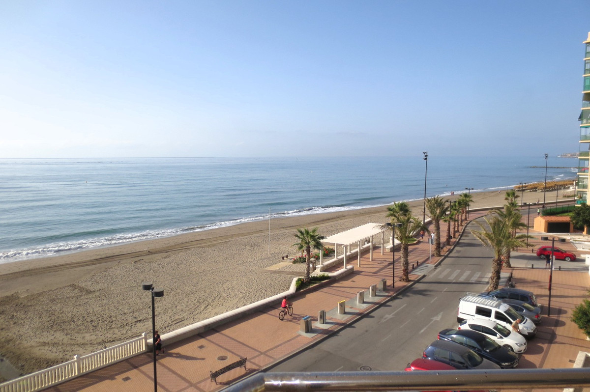 Middle Floor Apartment, Fuengirola, Costa del Sol. 3 Bedrooms, 2 Bathrooms, Built 97 m², Terrace 22 ,Spain