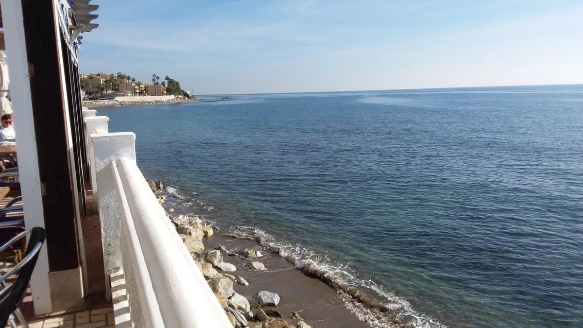 FRONT LINE BEACH  SPECTACULAR  STUDIO , Calahonda Beach Area. PANORAMIC FRONT LINE VIEWS  30m2, 1st ,Spain
