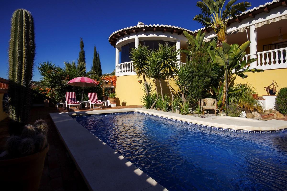 Villa in Periana – Mondron, close to Vinuela  Beautiful Villa with stunning views  This spacious vil,Spain