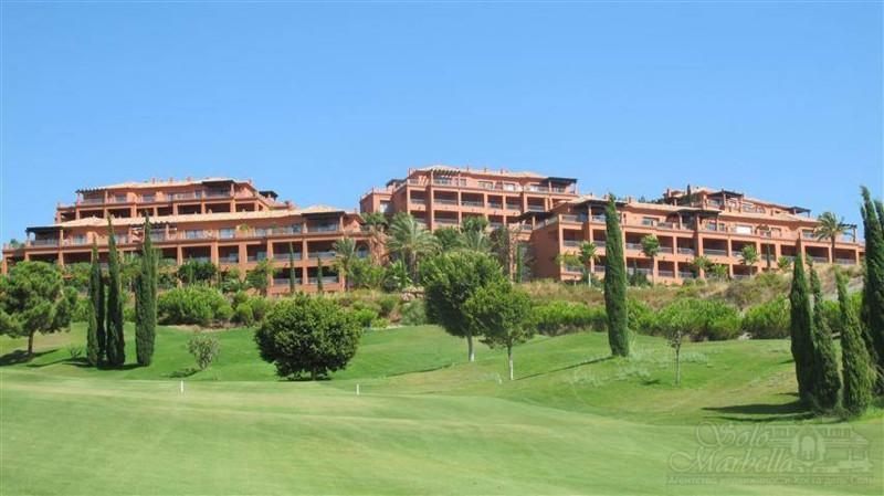 Apartamento: •Ground Floor Apartment  Plot: •Residential Plot  Orientacion: •Sur  Estado: •Excelente,Spain