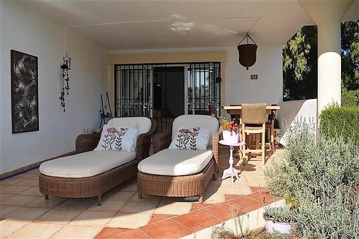 FANTASTIC APARTMENT WITH PRIVATE GARDEN IN CALAHONDA, MIJAS-COSTA. IDEAL INVESTMENT! Apartment complSpain