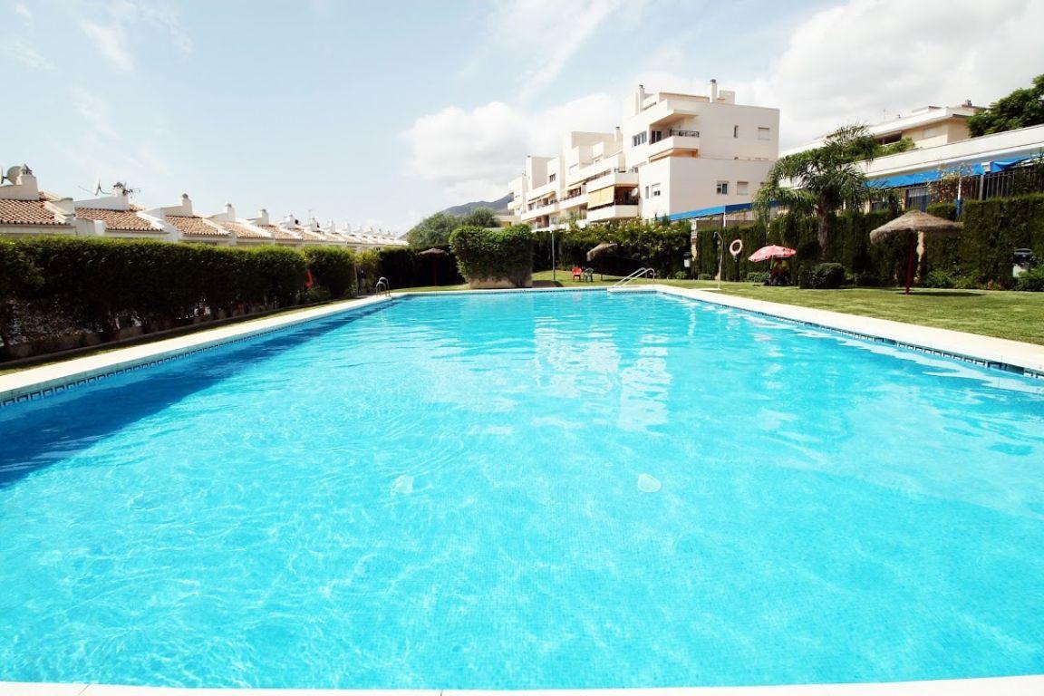 UNFURNISHED flat in a second floor in Bellavista urbanization, Arroyo de la Miel. Very close to the ,Spain