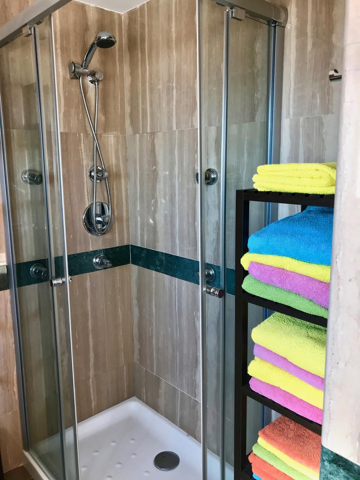 Duplex inArroyo de la Miel. 4 bedrooms, 2 bathrooms. Master bedroom has own terrace and en-suite ba,Spain