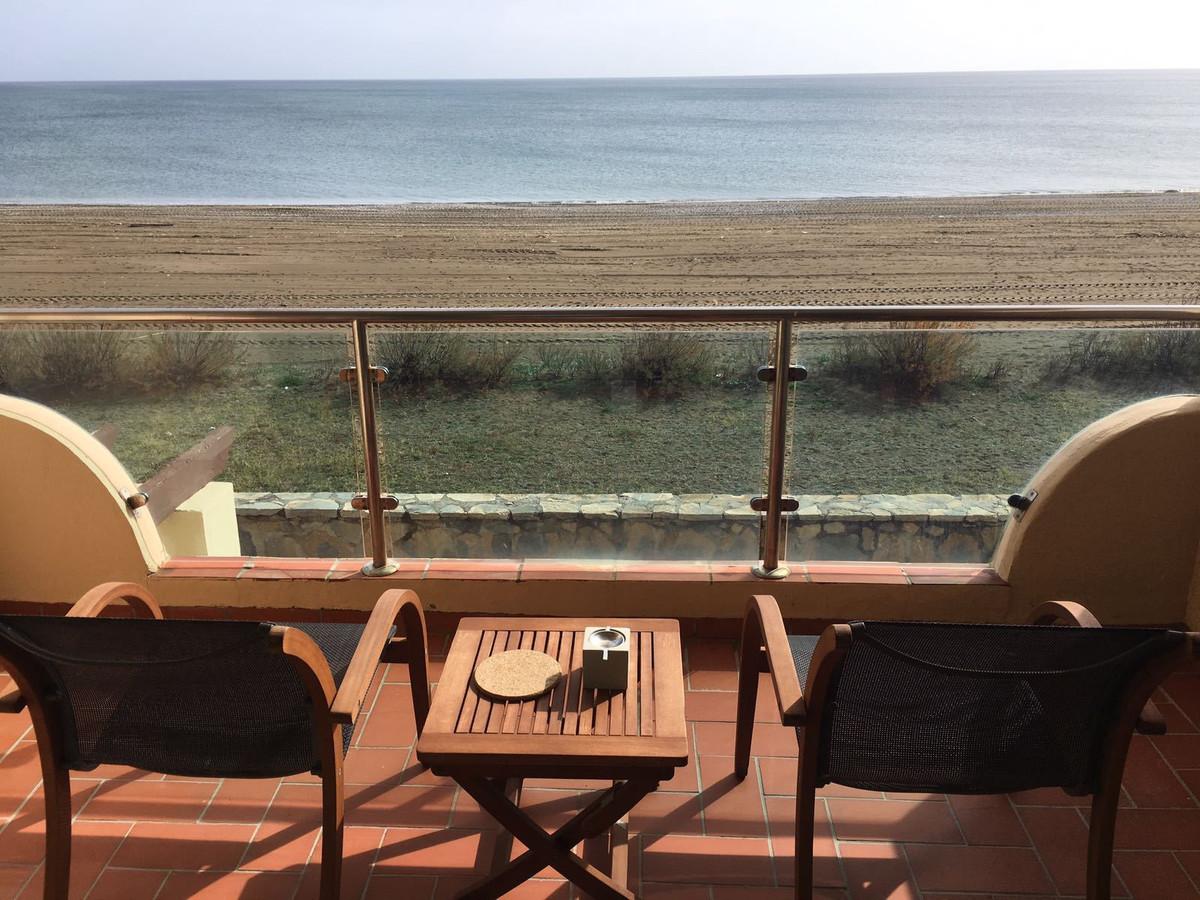 FANTASTIC RARE OPPORTUNITY - 3 BEDROOM DUPLEX FRONT LINE BEACH APARTMENT.  Fantastic 3-bedroom groun,Spain