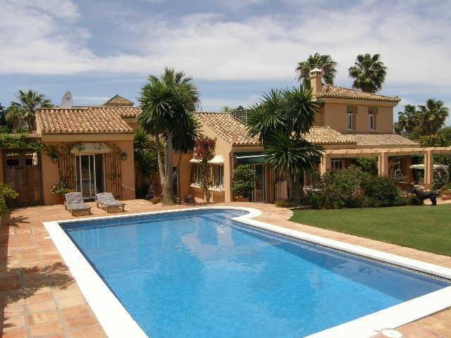 Sotogrande Costa: 5 bedroom 5 bathroom villa within quiet location. Beautiful secluded garden and sw,Spain
