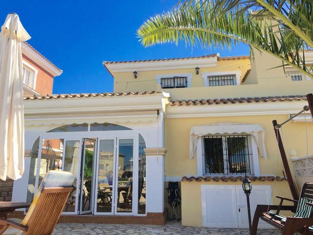 Beautiful, front line golf, 3 bedroom, linked villa on Bonalba.  Pristine 2005, 3 bedroom linked vil,Spain