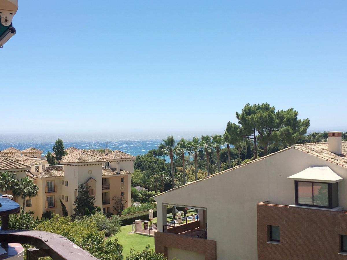 FANTASTIC BEACHSIDE STUDIO APARTMENT, ELVIRIA - FOR SALE  This bright studio apartment is located in,Spain